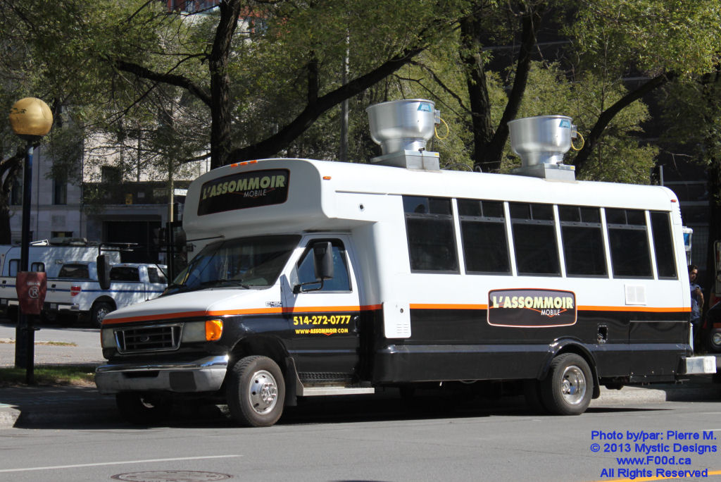 Montreal Food Trucks - L'Assommoir Mobile