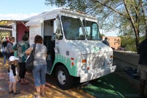 Montreal Food Trucks - Mr. Cremeux