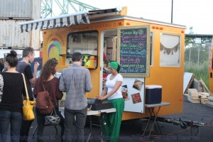 Montreal Food Trucks - Guru Indien