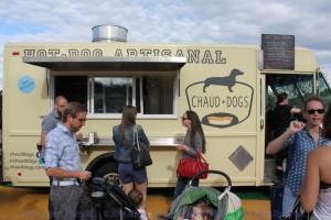 Montreal Food Trucks - Chaud Dogs
