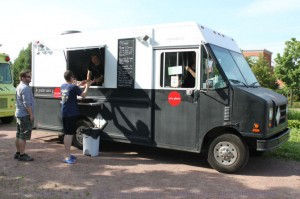 Montreal Food Trucks - Le point sans g