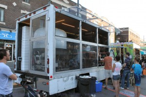 Montreal Food Trucks - Pizza no. 900